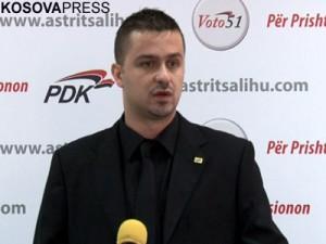 Politika ka ndikuar edhe Genc Prelvukaj
