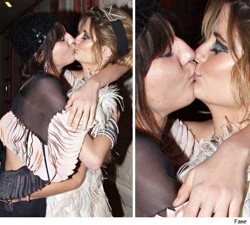 Mischa Barton preferon që të puthë femrat