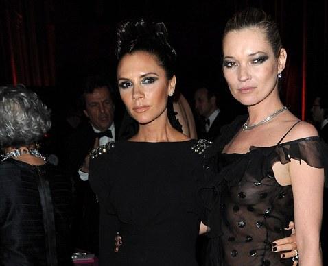 Victoria Beckham dhe Kate Moss janë dukur të zeza