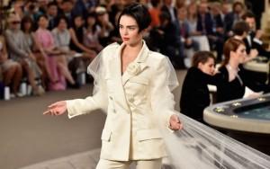 Chanel prezanton veshjet e nusërisë