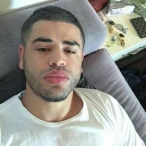 Noizy, selfie me tufa parash