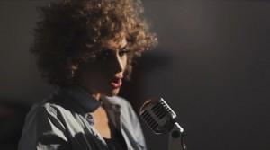 Albana Bilalli në videoklip me bark të fryrë