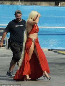 Gaga tregon të brendshmet