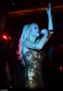 """Rita Ora """"e artë"""" në hapjen e restorantit Sexy Fish"""
