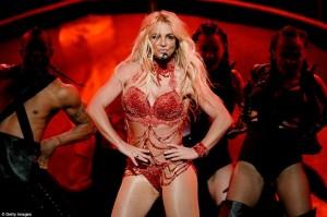 "Britney Spears, mahnitëse në skenën e ""Billboard"""