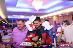 Në Athinë e mbysin Ermal Fejzullahu me karafila