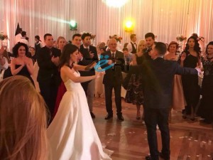 Foto ekskluzive nga dasma e djalit të Kastriot Tushës
