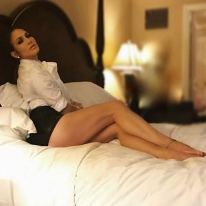 Jennifer Lopez provokon nga shtrati