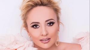 """Juliana Pasha vjen me klipin e ri """"Jeto"""""""