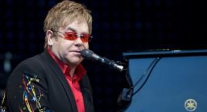 Elton John pëson infeksion bakterial potencialisht vdekjeprurëse