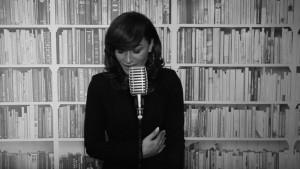 """Dafina Dauti sjell coverin e këngës """"Ushtarit tim"""""""
