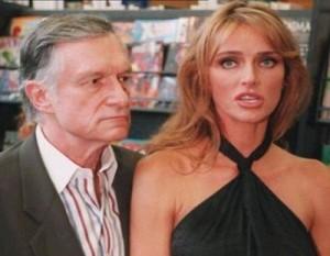 Hefner kerkon divorcin nga gruaja