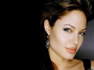 Ridley Scott kërkon Jolie