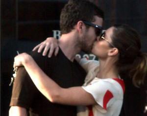 Timberlake udhëton për ta takuar bukuroshen Jessica