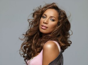 Leona Lewis u dhunua nga ish konkurrenti ne X-Factor