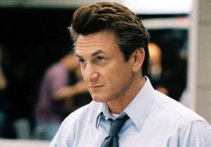Sean Penn akuzohet për goditjen e një paparaci