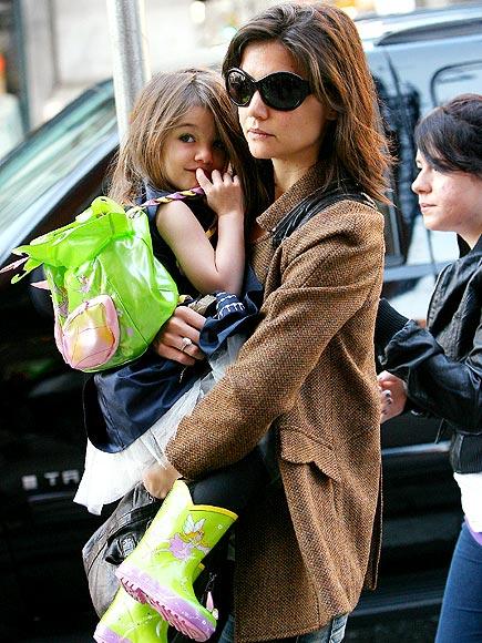 Katie Holmes fotografohet serish me vajzen e saj