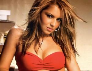 Cheryl Cole fiton të holla më tepër se Victoria Beckham