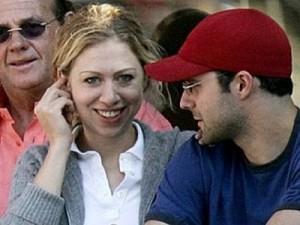 Chelsea Clinton fejohet me Marc Mezveinsky