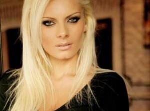 Joana përfaqësuese e Shqipërisë në Misses Globe 2009