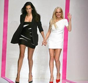 Lindsay Lohan i ka kundërshtuar kritikët e saj të modë