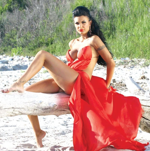 Zajmina Vasjari foto seksi