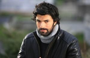 Engin Akyurek, mashkulli më i adhuruar në Turqi