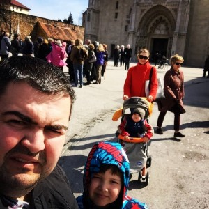 Fatmir Spahiu, prezanton familjen