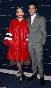 Rita Ora shkëlqen në eventin e Hilfiger