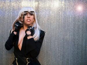 """Gaga i """"sulmon"""" kritikët"""