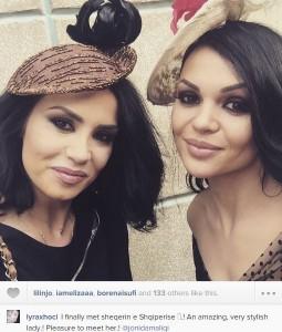 Lyra Xhoci dhe Jonida Maliqi si të ishin motra