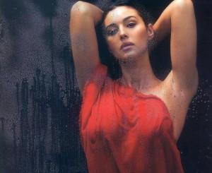 Monica Belluci më seksi se kurrë