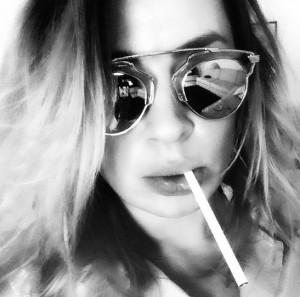 "Rozi i ""djeg zhgënjimet me cigare"""