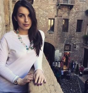 Shkëlzen Berisha propozon Arminën në ballkonin e Zhulietës