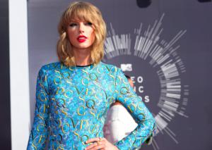 """""""Bad Blood"""" e Taylor Swiftit vendos rekord shikueshmërie"""
