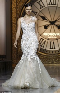 Irina vesh fustan nusërie për Barcelona Bridal Week