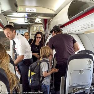Angeline Jolie e Brad Pitt i shmangen luksit