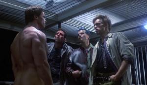 Arnold Schwarzenegger me skena nudo