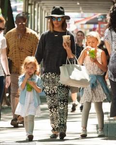 Jessica Alba një super nënë!