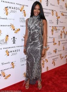 Naomi Campbell dëshmon se po bëhet më e bukur