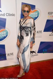 Sharon Stone ende shkëlqen