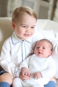 Princi George dhe princesha Charlotte pozojnë bashkë