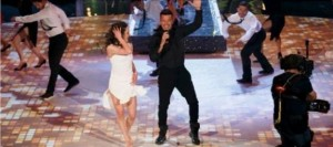 Balerina shqiptare performon me Ricky Martin