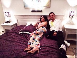 Vildane Zeneli në shtrat me Artan Telakun