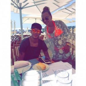Neymar përkrah Xhesika Troles në Ibiza