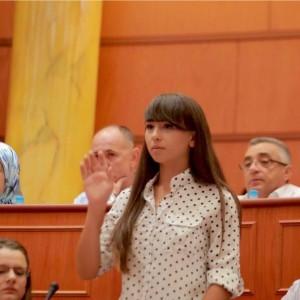 Këshilltarja 19-vjeçare e Veliajt: Ja nga se kam frikë