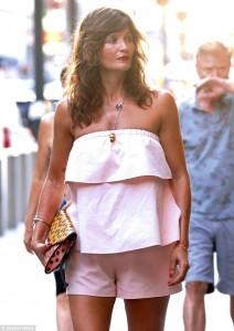 Helene Christensen tërheqë vëmendjen me bukurin e saj