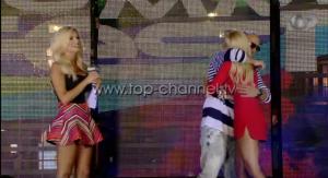 Adrian Gaxha dhe Luana Vjollca përqafohen në skenë