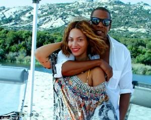 Louis Farrakhan: Jay – Z, urdhëro gruan të mbulohet