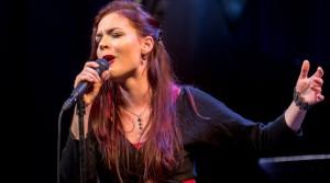 Elina Duni performoi shqip midis Beogradit, la të gjithë pa fjalë
